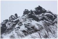 каменные истуканы в Голубом ущелье