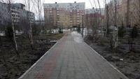 Сквер и памятник во дворе ул.Комсомольская