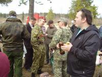 Оживленная беседа на военную тему