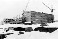 Строительство первой школы